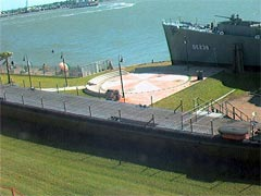 Webcam pedia seawolf park uss cavalla and uss stewart for Seawolf park fishing report
